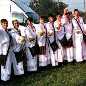 costume traditionale baieti maramures