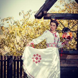nunta traditionala rochie