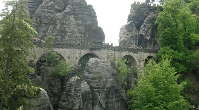 CTOUR-Buchtipp: Felsen, Moore, Wasserfälle