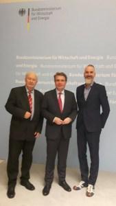 Tourismusbeauftragter der Bundesregierung Thomas Bareiß (M) mit CTOUR-Vorstandssprecher Hans-Peter Gaul (l.) und CEO der neusta agentur Grafenstein GmbH Frank Grafenstein