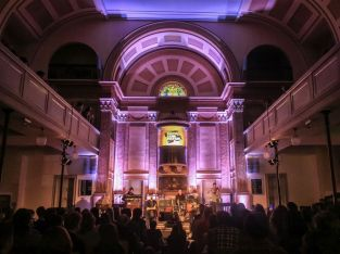 Novo Amor live in der St. Pauli-Kirche. Foto: Danilo Rößger