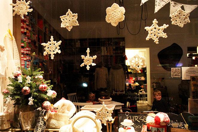 Weihnachtsdeko: Schneeflocken häkeln mit WOLLEN Berlin
