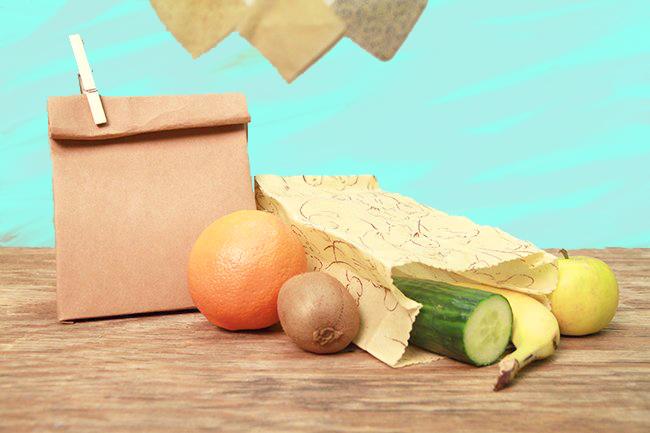 Makerist-Basteln-mit-Kindern-50-DIY-Projekte-Stifte-Öko-Verpackung-mit-Bienenwachs-1