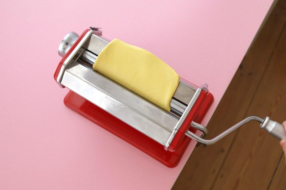 Makerist-DIY-FIMO leather-effect-Geschenkanhänger-Gepäckanhänger selbermachen (7)