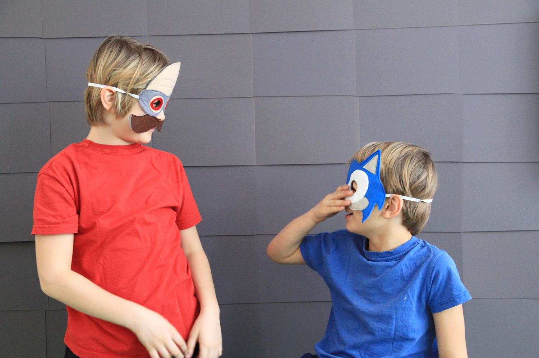 Makerist-Sonic-the-Hedgehog-Masken-aus-Filz-für-Karneval-und-Fasching-selbermachen-Boots-4