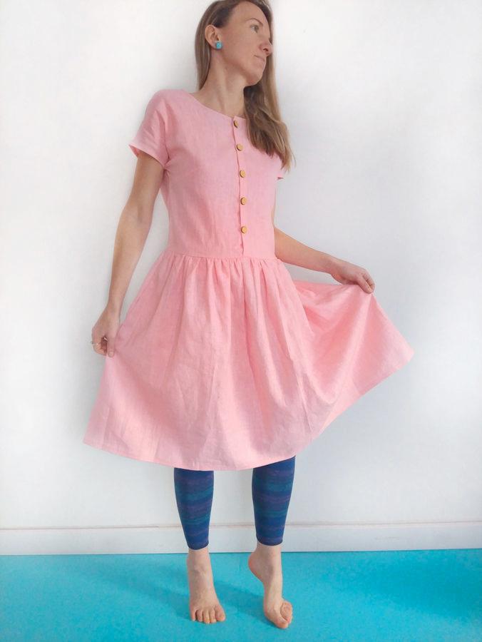 Makerist-Kleid-selber-nähen-Schnittmuster-für-den-Frühling-Leinenkleid-Alma