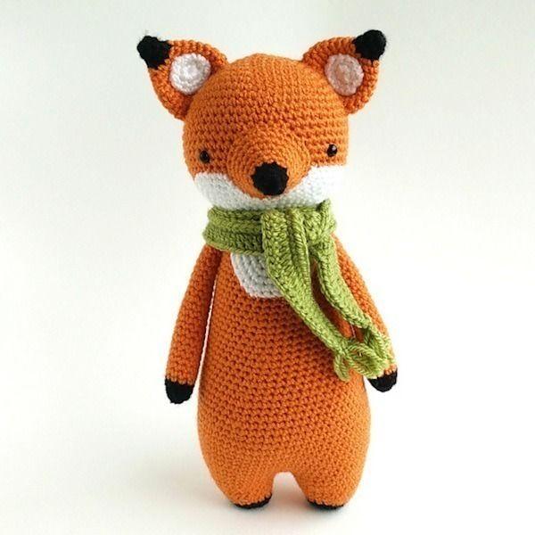 Makerist-Hase-Bär-undCo.-Unsere-17-beliebtesten-Amigurumi-Anleitungen-Fuchs-mit-Schal