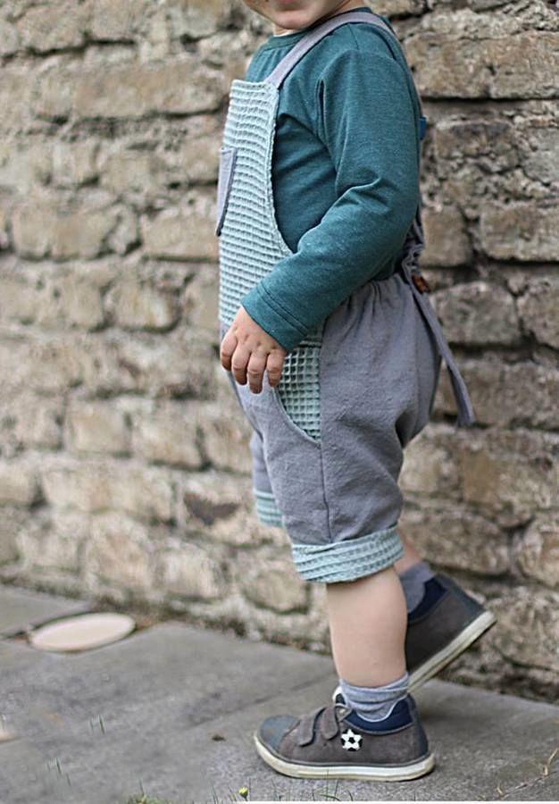 Makerist-Kindermode-für-den-Sommer-15-Anleitungen-zum-Selbernähen-Sommer-Latzhose