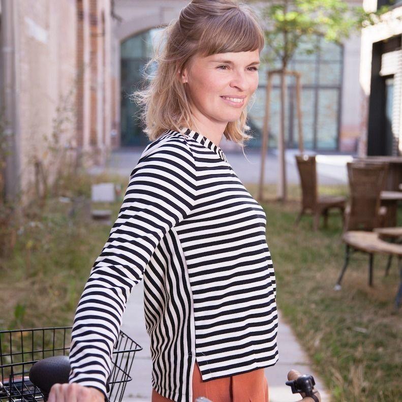 Makerist-Herbstmode-selber-naehen-15-Anleitungen-fuer-Gross-und-Klein-Gestreiftes-Shirt