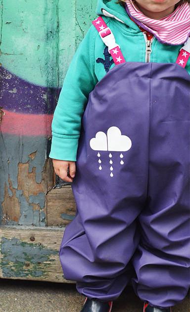 Makerist-Outdoorkleidung-selber-naehen-15-Anleitungen-fuer-jedes-Wetter-Regenhose-Jumpsuit-Kinder