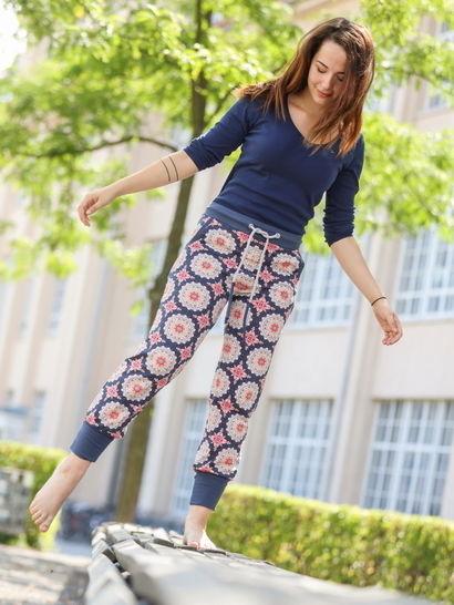 Makerist-gemuetliche-Homewear-selber-naehen-13-tolle-Anleitungen-Yogahose-2