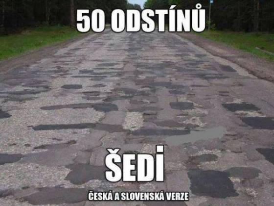 Záplatovaná silnice v odstínech
