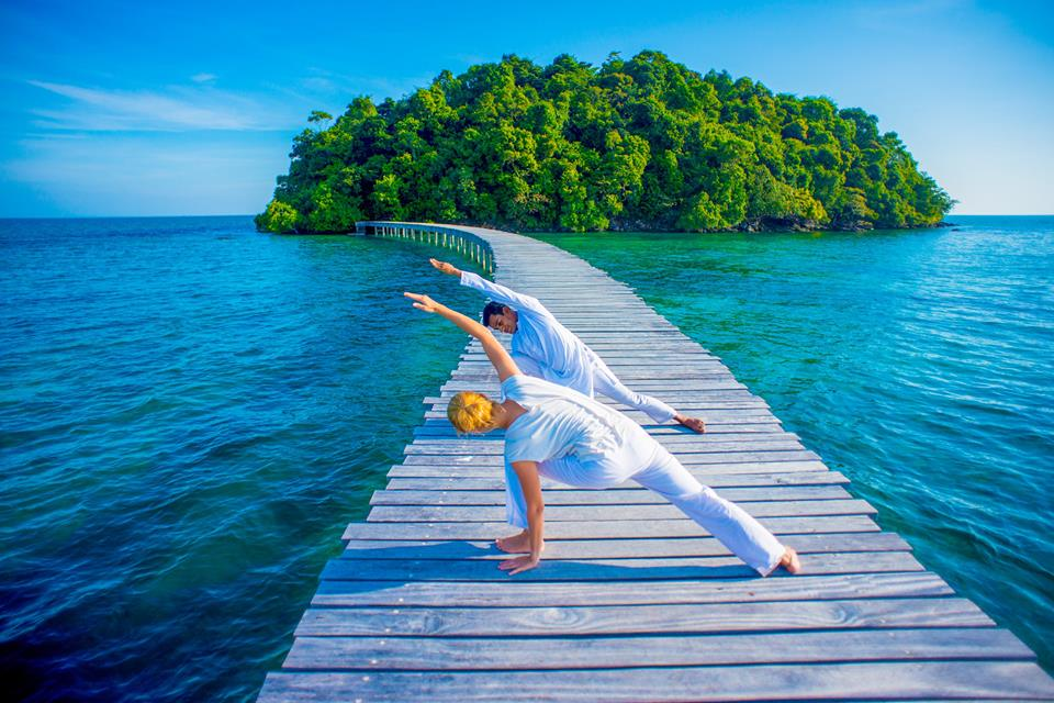 Find balance at the water's edge | Image courtesy of Song Saa