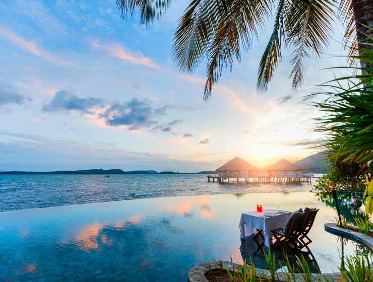 Infinity pools and ocean sunsets | Image courtesy of Song Saa