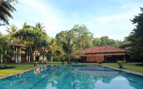 Talalla wellness retreat review wellness programme, yoga surf pilates retreat sri lanka retreat