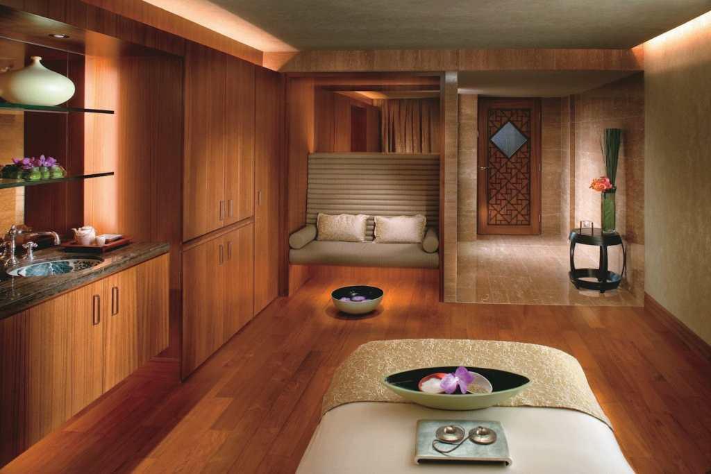 mandarin oriental hong kong urban retreat wellness staycation