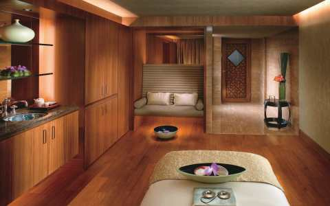 mandarin oriental hong kong urban retreat wellness staycation