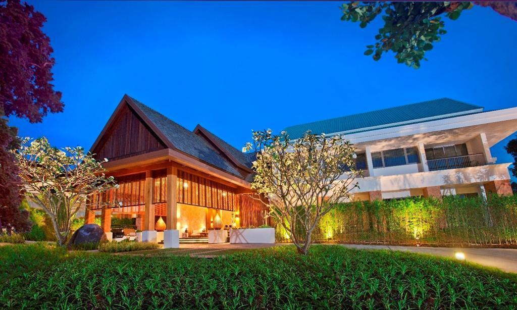 best luxury wellness retreats in thailand, best wellness retreats in phuket, best wellness retreats in koh samui, healthy holiday, fitness retreat, weight loss, detox, asia