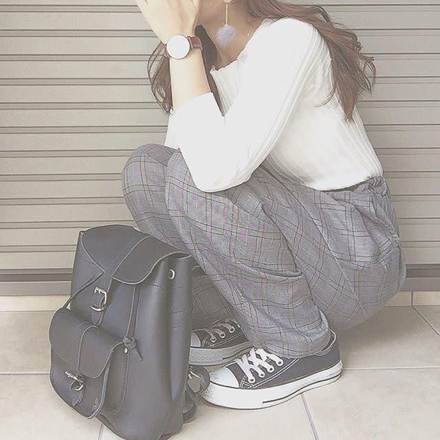 e12a1ba2962d きれいめを意識したいときはレザーのバッグを持つことも多いと思います。でも、どうしても荷物が多いとき、重いとき、できればちょっとでも楽なバッグが良い、そう思い  ...