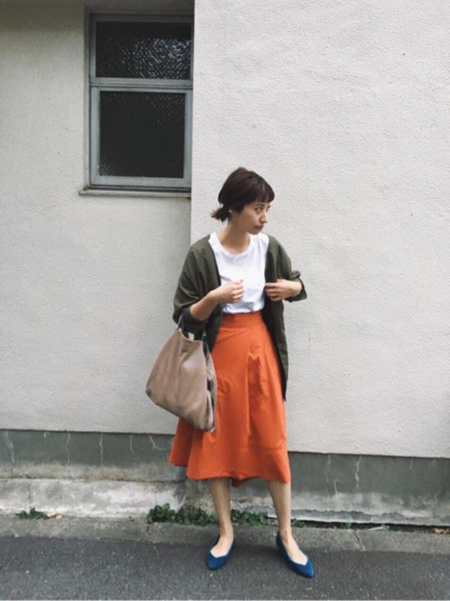 ミディ丈・ミモレ丈・マキシ丈の違いは? 人気のスカート丈をわかりやすくご紹介します!/上品見えするひざ下丈のミディ丈スカート