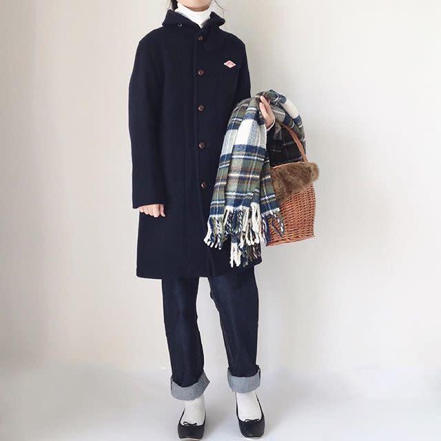 6a782d5d75758 白の靴下をアクセントに。おしゃれに映える冬の白ソックスコーデ9選 ...