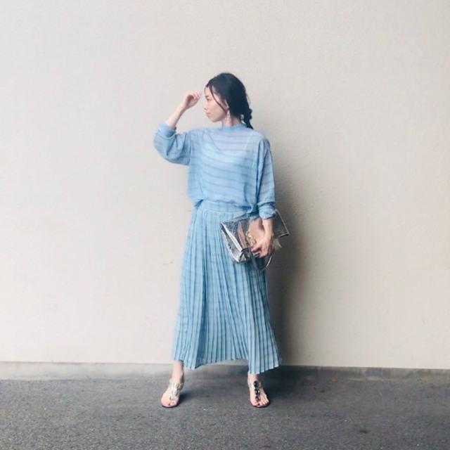バッグの「抱え持ち」がオシャレな理由って?【ファッションの疑問を解決!】/バッグの「抱え持ち」がファッションにもたらす効果とは?