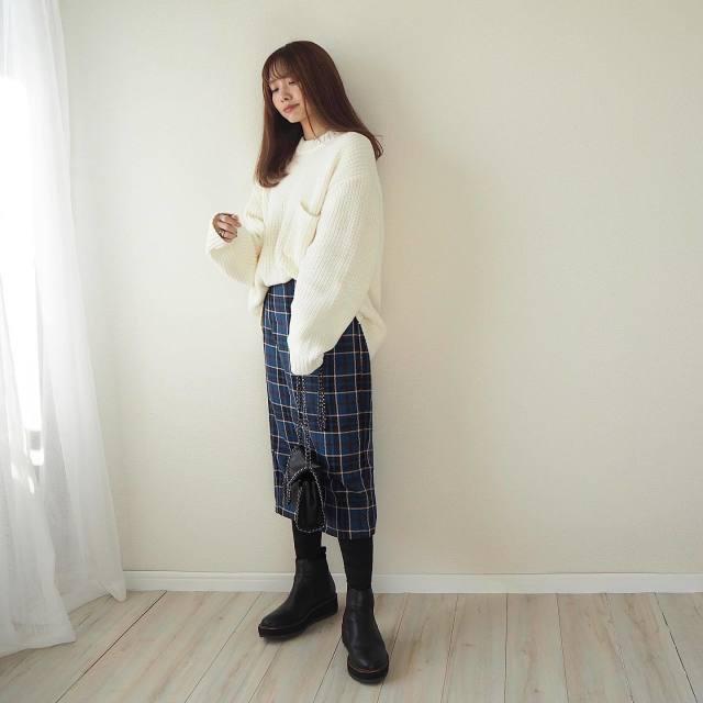 おしゃれな人は【GUのメンズ】を着る。natsumiさんのプチプラコーデ4選/「GU(ジーユー)のメンズセーター×スカート」でレディに着る