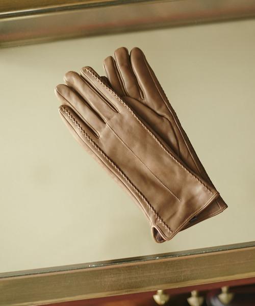 絶対ハズさない! 妻に贈る2020クリスマスプレゼント/【2. 手袋】大人こその上品さを漂わせて。トレンドのレザー素材は小物で贈る♡