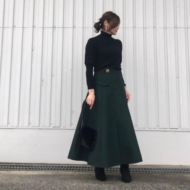 40代50代の女性に似合うのはこんなブーツ! 大人ブーツの選び方と履きこなし方8選♪/定番感のある「黒のショートブーツ」はロングスカートでおしゃれ見え