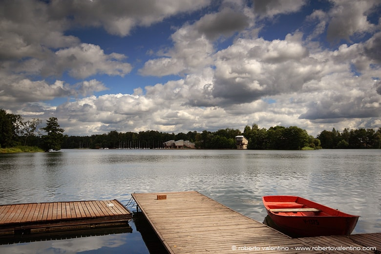 Il lago sul quale si affaccia la città vecchia di Trakai.