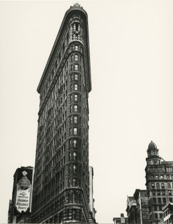 Berenice Abbott, Flatiron Building, Madison Square, New York, 1938 ©Berenice Abbott/Getty Images