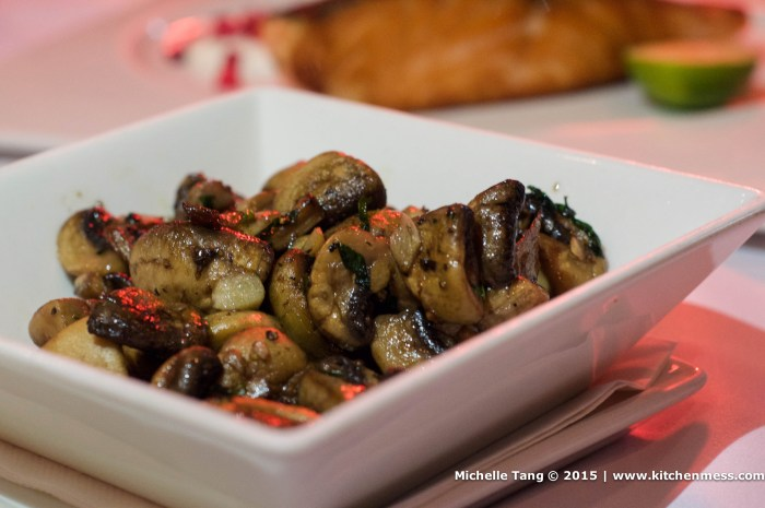 Garlic Mushrooms – a delicious side dish to balance out a heavy protein-laden meal.
