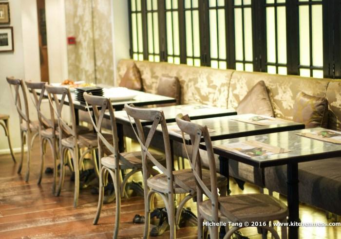 Café Siam Interior