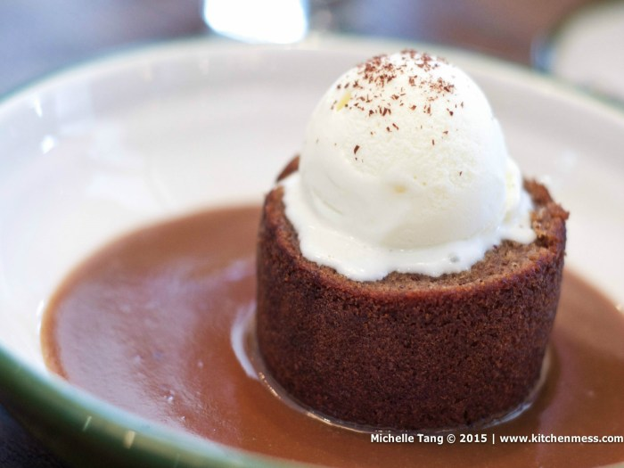 STICKY DATE PUDDING