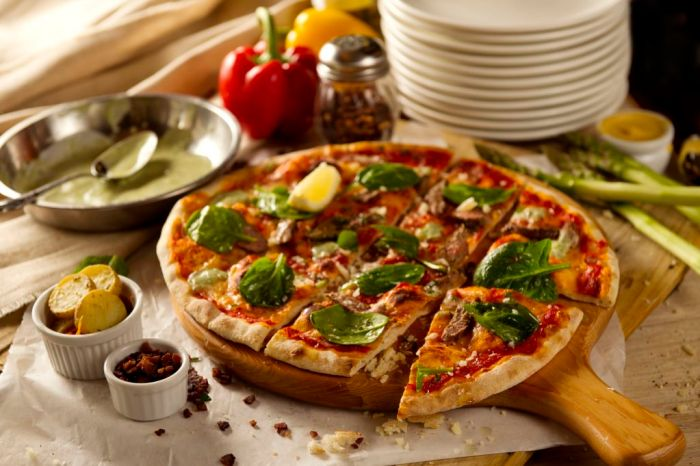 cafe-deco-pizzeria_moroccan-lamb-pizza-2