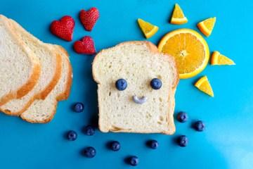5 pasti al giorno - fetta di pane sorridente