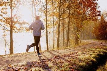 Sport all'aria aperta in autunno – Corsa – HealthAid Italia