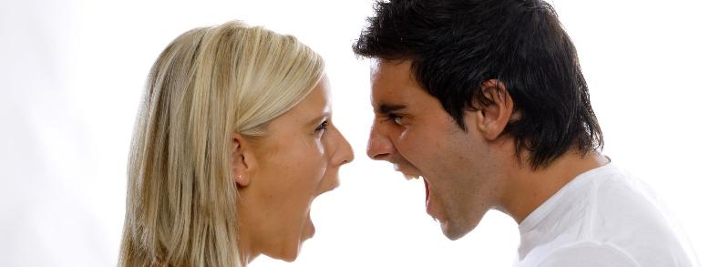 Alla convivenza con la moglie preferisce l'arresto