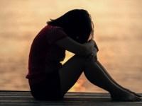 Anuptafobia: di cos'ha paura un single?