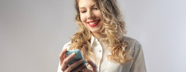 """Come corteggiare con il """"texting"""" via sms"""