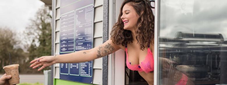 In Usa il caffè viene servito in bikini