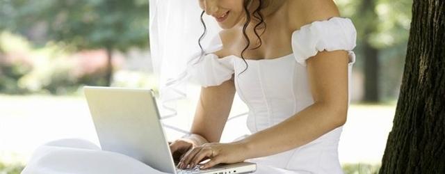 Matrimonio senza frontiere: lei all'altare