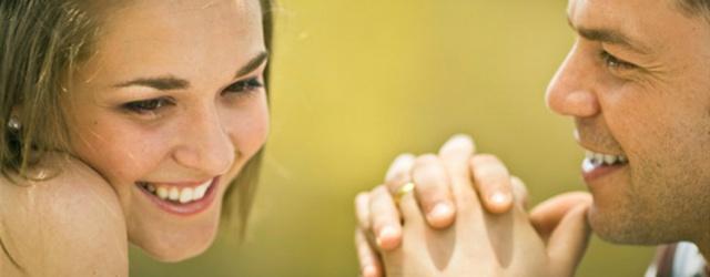 Nei nuovi incontri la gentilezza della donna è stimolata da un sorriso dell'uomo