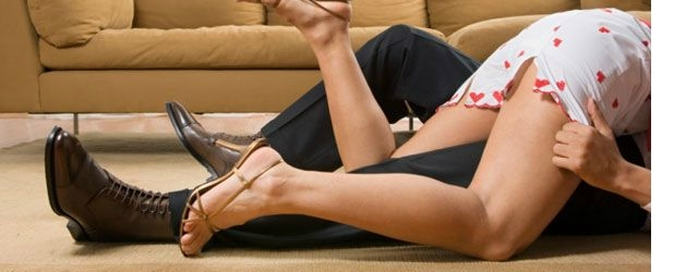 Relazioni extraconiugali: ecco cosa può succedere se la moglie rincasa all'improvviso