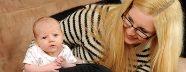 Scopre di essere incinta mentre va all'ospedale per mal di pancia