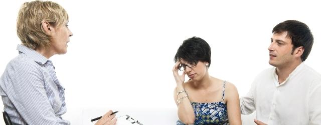 Una terapeuta si concede per risolvere le crisi di coppia