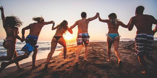 conoscere gente in vacanza
