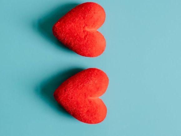 Cosa significa quando un ragazzo ti manda un cuore rosso