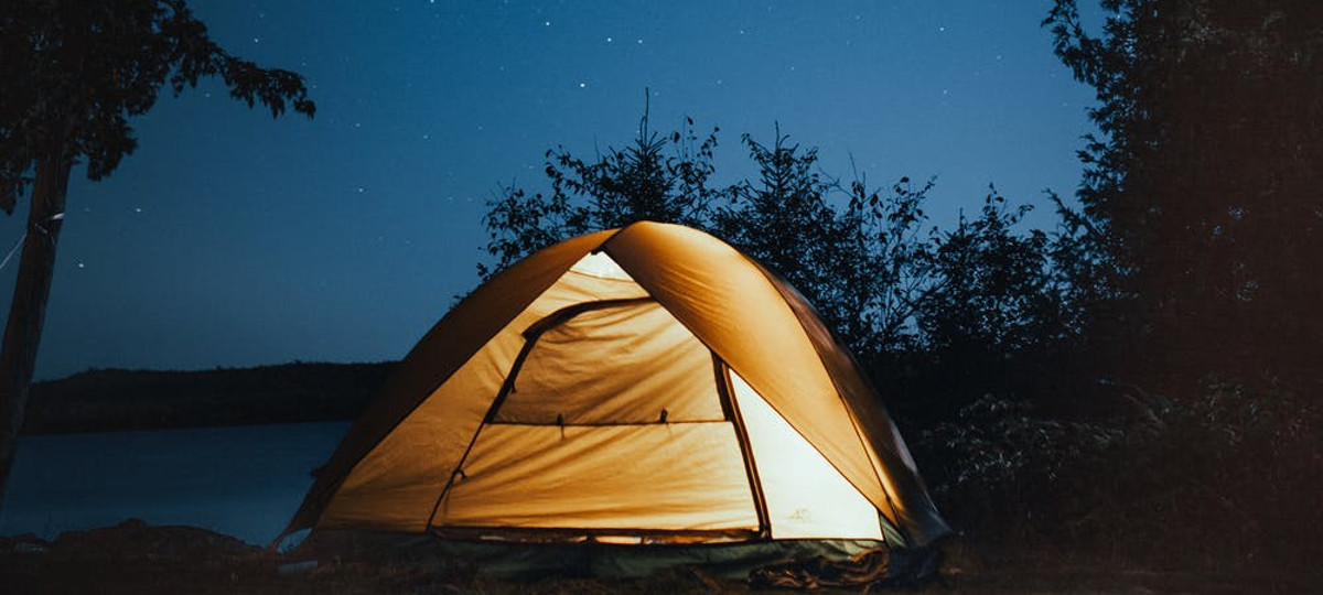 Come organizzare un viaggio in tenda da campeggio