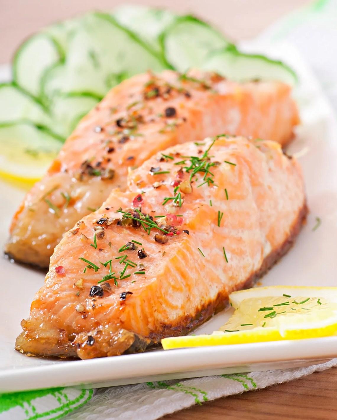 salmone-al-finocchio-ed-erbe-ricetta-facile